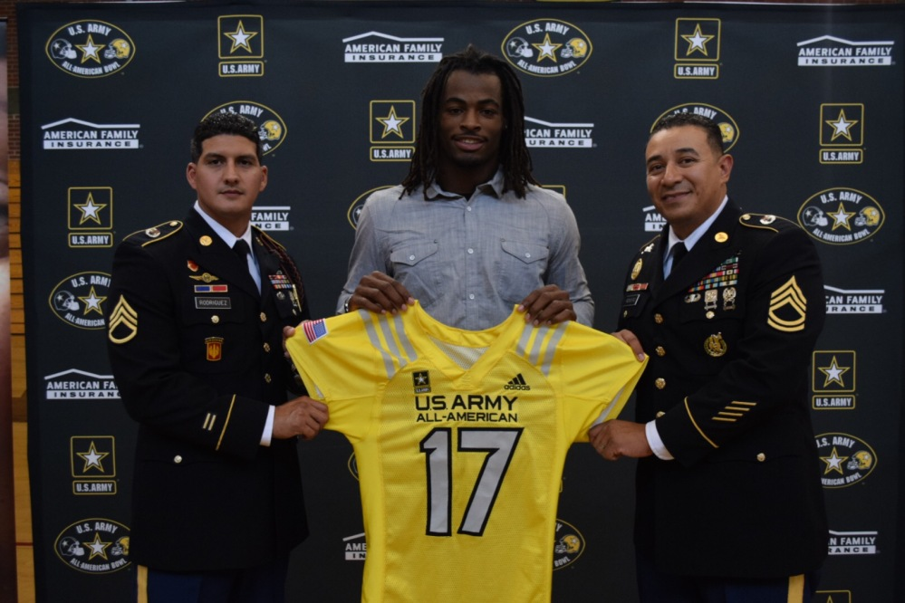 Najee Harris with his jersey for the U.S. Army All-American Bowl. (Photo: U.S. Army All-American Bowl).
