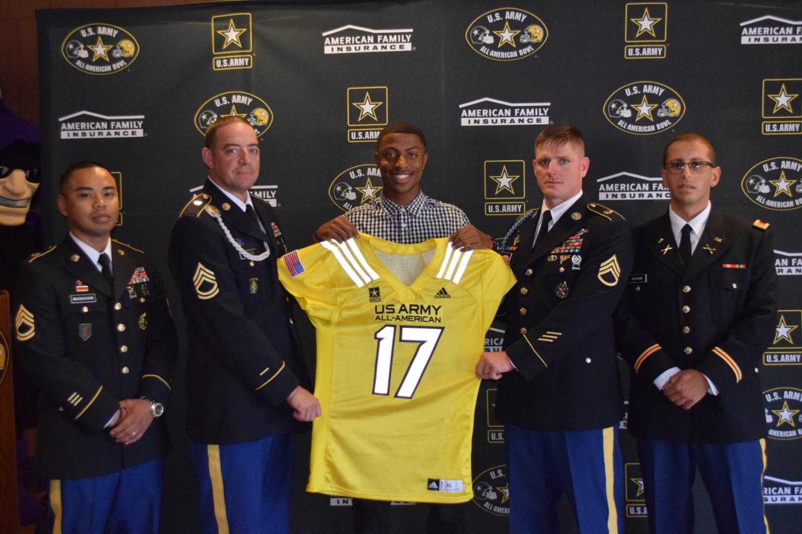 Jamire Calvin receives his U.S. Army All-American Bowl jersey (Photo: U.S. Army All-American Bowl)