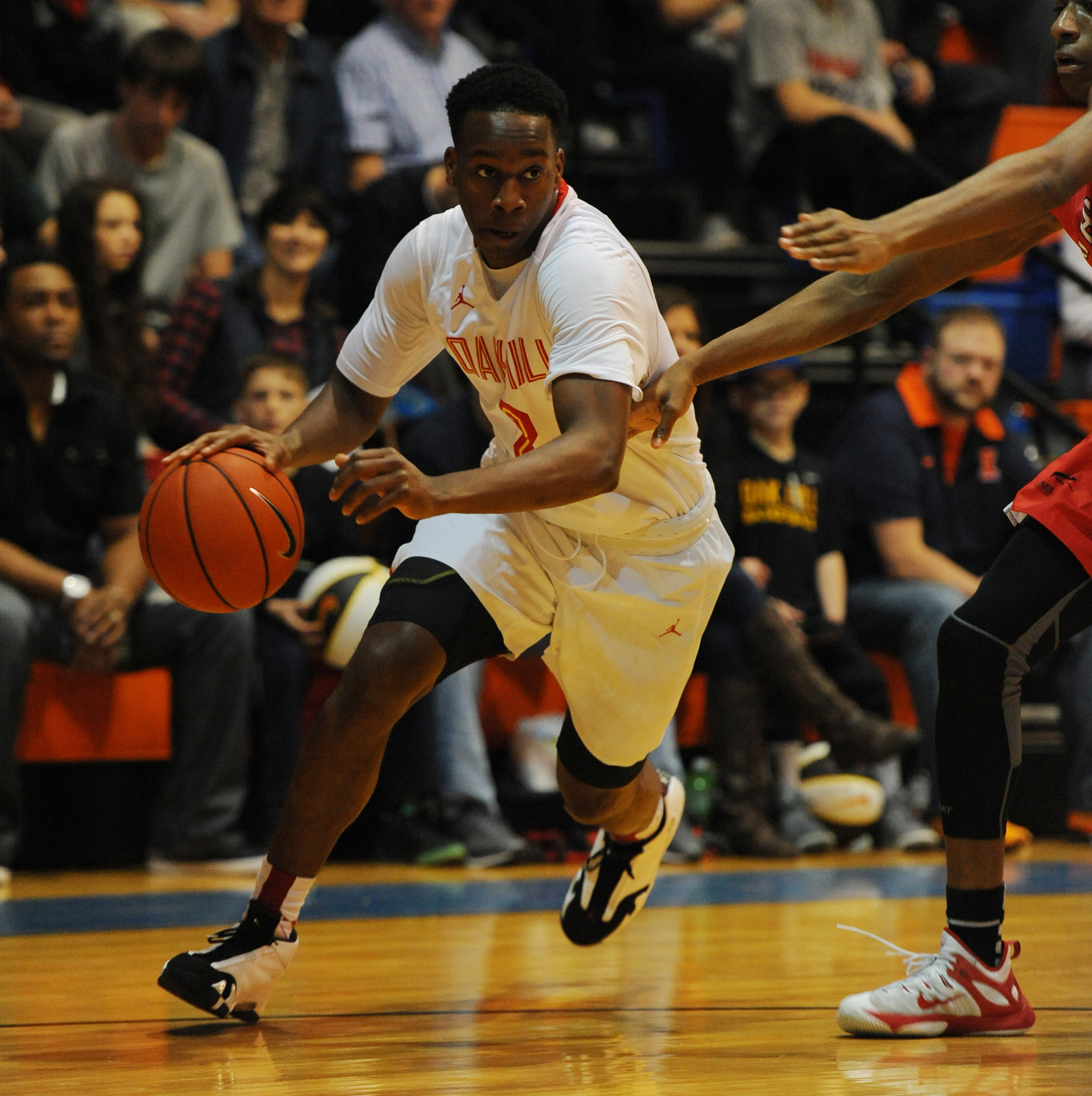 12/5/15 6:39:05 PM -- Benton, KY, U.S.A -- Oak Hill Academy guard Matt Coleman (2) dribbles toward the basket during the first half against Athlete Institute at the Grind Session basketball tournament. -- Photo by Christopher Hanewinckel USA TODAY Sports Images, Gannett ORG XMIT: US 134138 Grind Hoops 12/5/2015 [Via MerlinFTP Drop]
