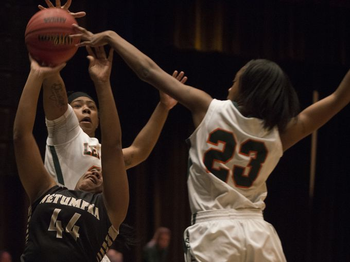 LeFlore's Daisha Bradford blocks returns (Photo: Albert Cesare, Montgomery Advertiser)