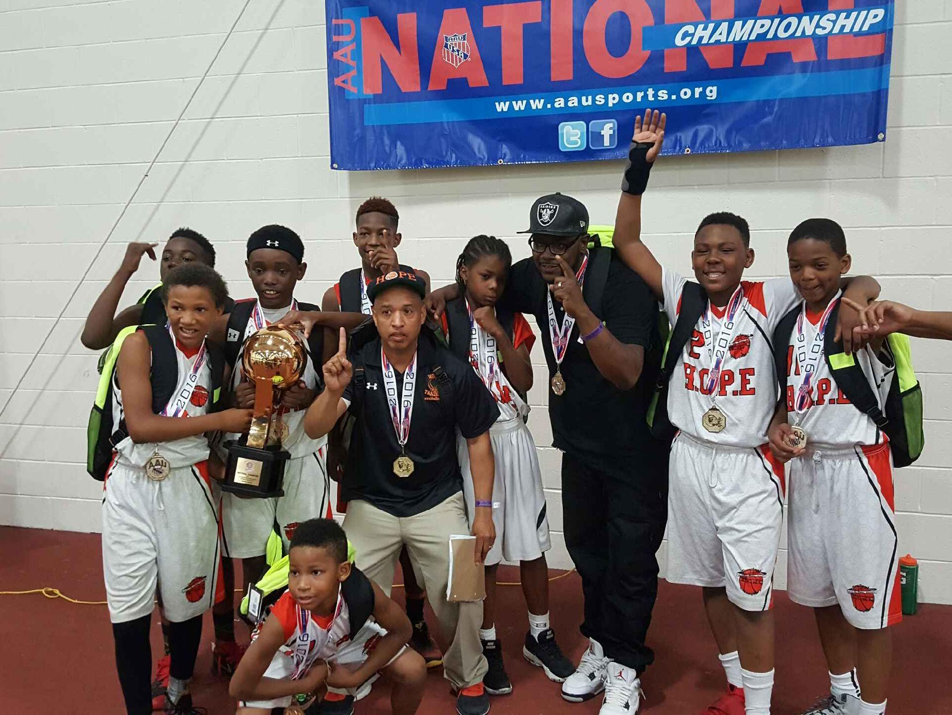 The H.O.P.E. Elite U11 team celebrates its national championship.