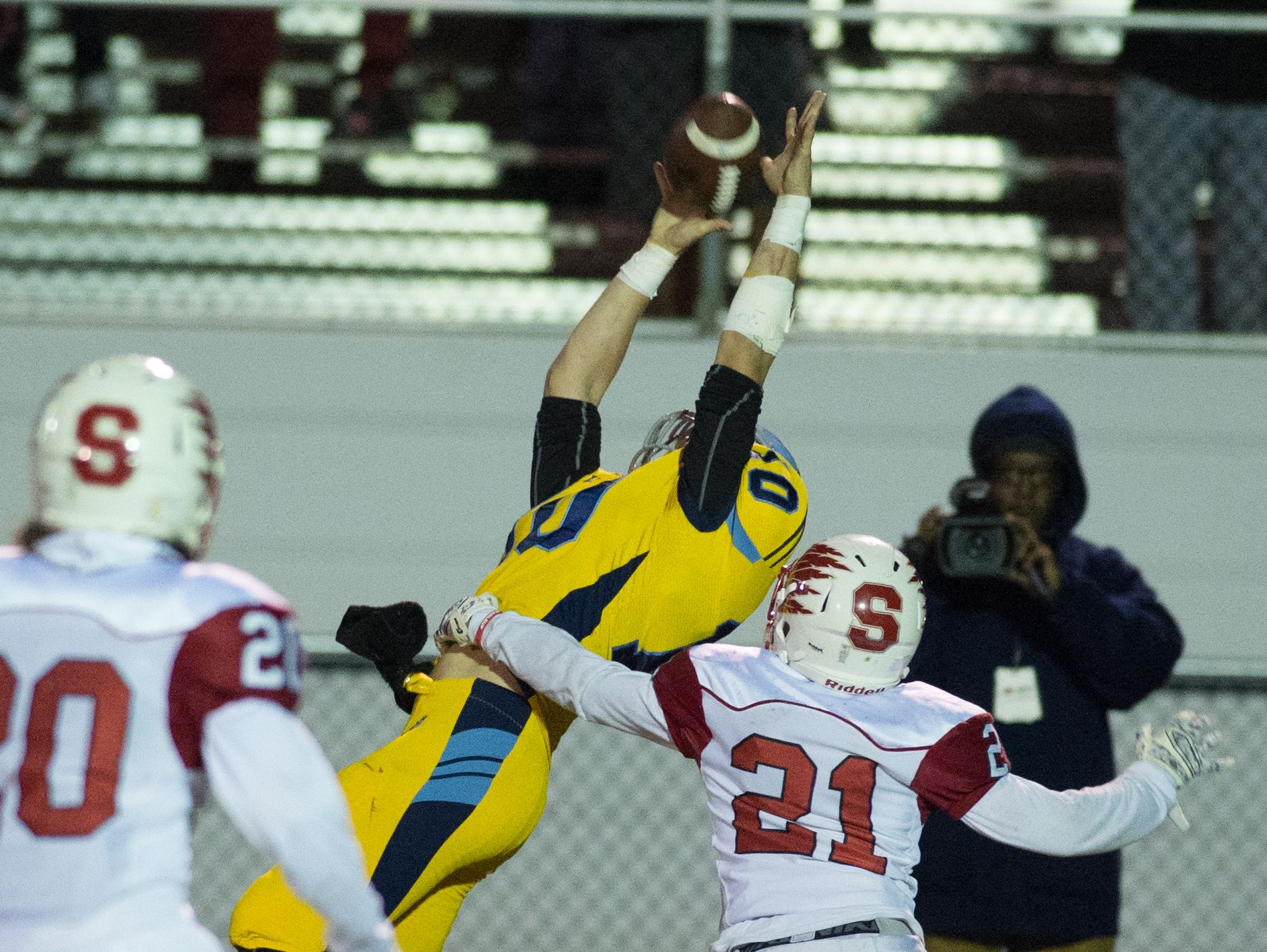 Cape Henlopen's Zachary Dale (10) reaches for the ball during a pass to the sideline in their home game against Smyrna.