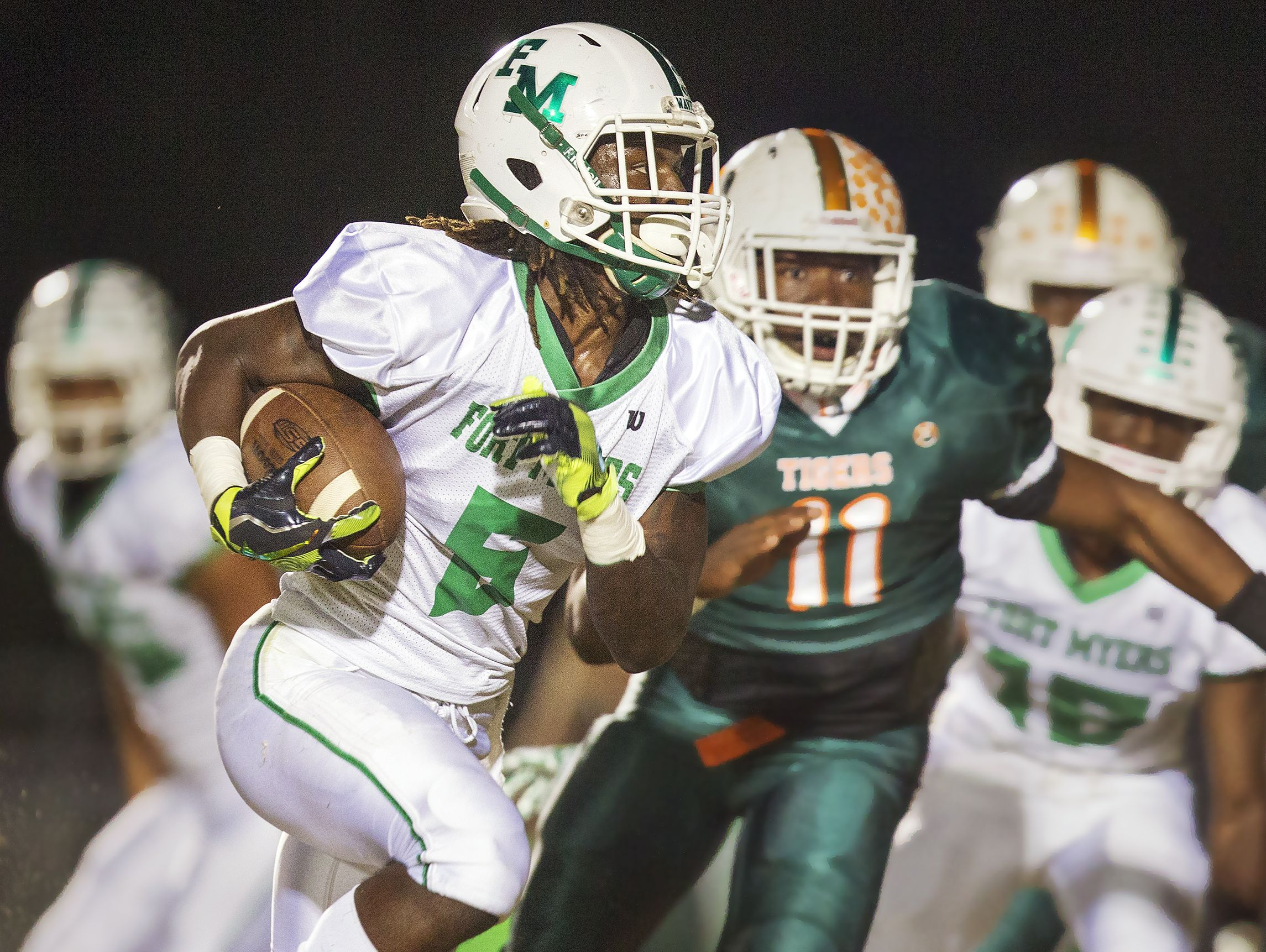 Darrian Felix and Fort Myers host Barron Collier in a Region 6A-3 quarterfinal Friday at Edison Stadium.