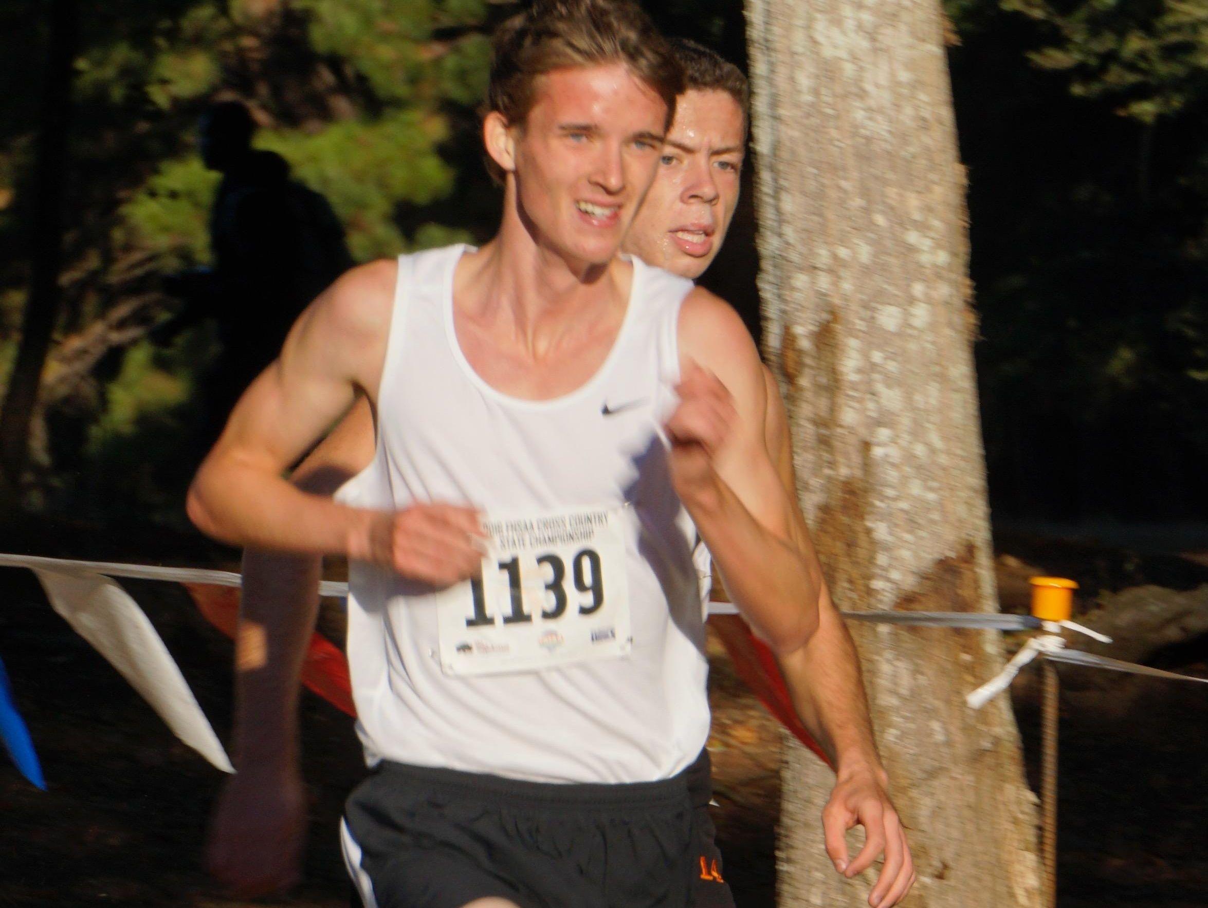 Trevor Kattenberg of Satellite finished in 16:04.