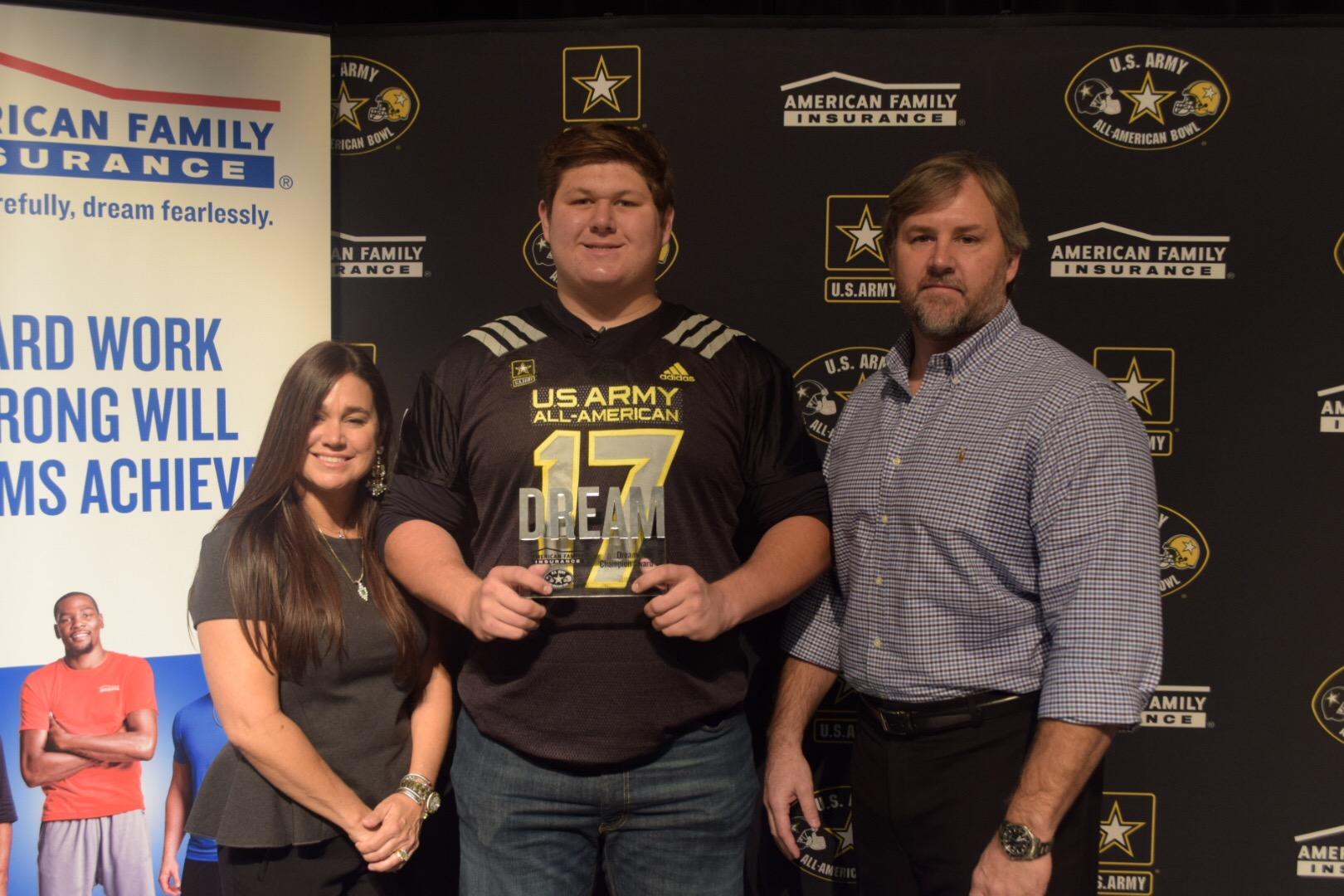 Creed Humphrey presented his parents, Melisa and Chad Humphrey, with the Dream Champion Award. (Photo: AAG)