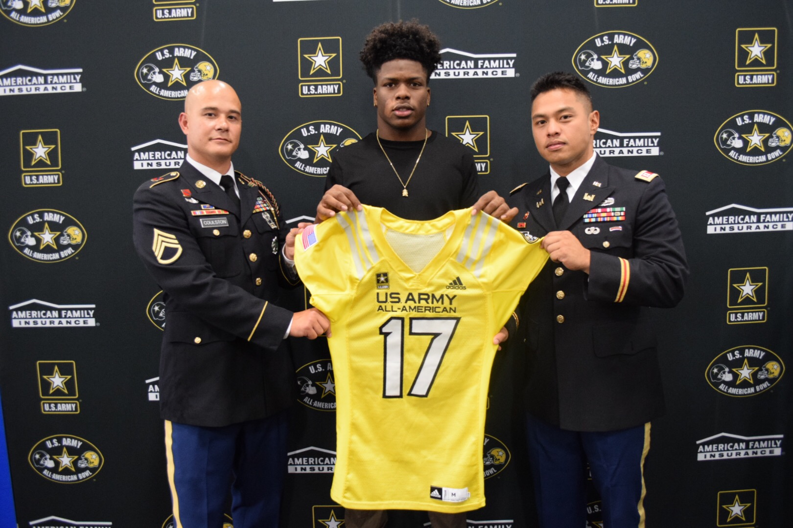 Stephen Carr is presented with his honorary jersey for the U.S. Army All-American Bowl (Photo: Army All-American Bowl)