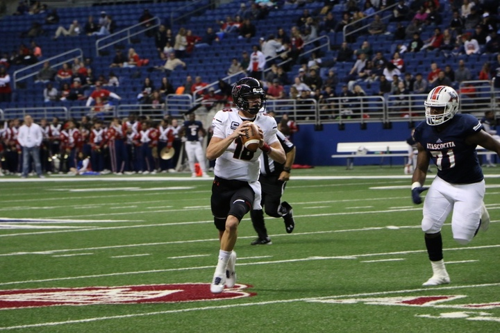 Lake Travis quarterback Charlie Brewer (Photo: Haley Whitt, TexasHSFootball.com)