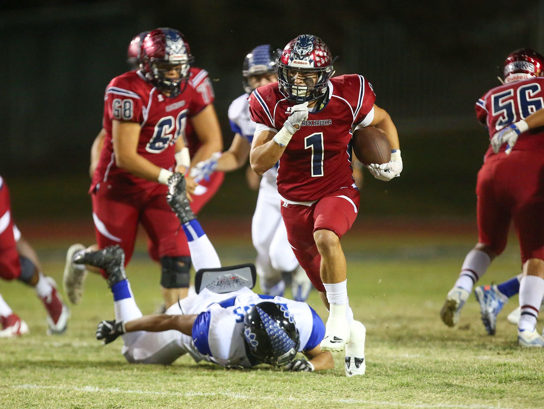 Benji Cordova breaks away early in the first quarter for touchdown against Cathedral City, November 4, 2016.