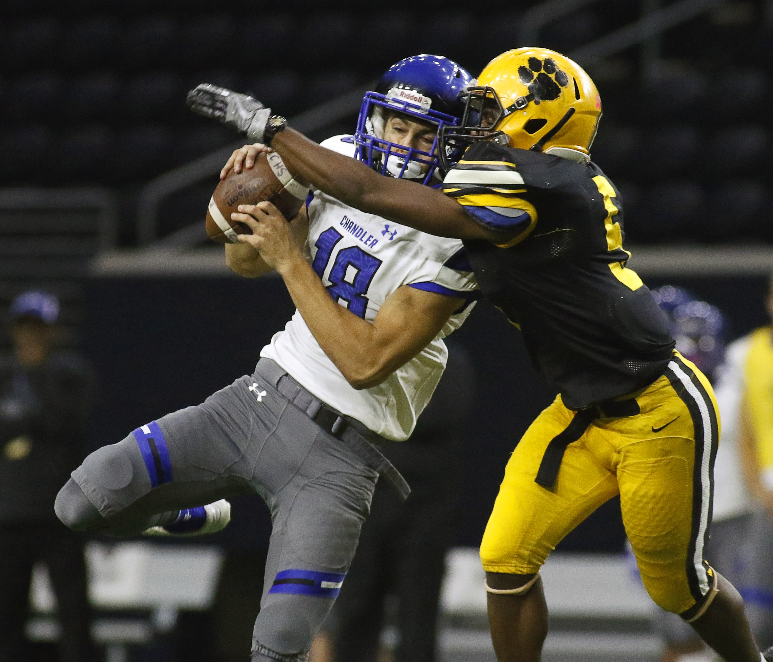 Dec 23, 2016 -- Frisco, TX, U.S.A -- GEICO State Champions Bowl Series. -- Chandler Wolves wide receiver Gunner Romney (18) makes the catch in front of Valdosta Wildcats Jayce Rogers (5) during the first half. Photo by Ray Carlin-USA TODAY Sports Images, Gannett ORG XMIT: US 135851 GEICO preps 12/23/201 [Via MerlinFTP Drop]