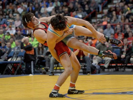 Yianni Diakomihalis (left) in the state final last spring (Photo: Adrian Kraus, Rochester Democrat and Chronicle)