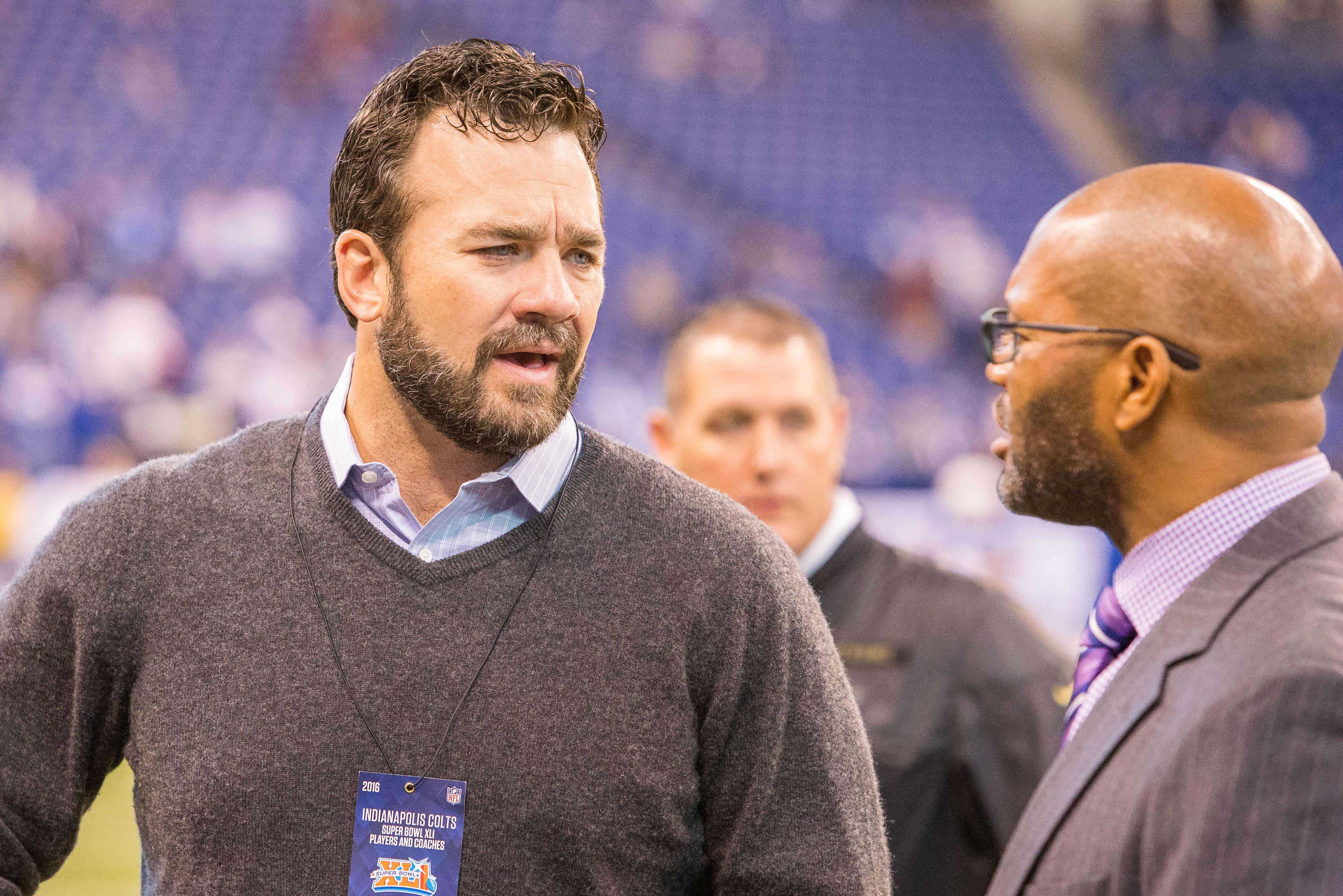Nov 20, 2016; Indianapolis, IN, USA; Indianapolis Colts former center Jeff Saturday talks with former teammates on the sideline before the game between the Indianapolis Colts and the Tennessee Titans at Lucas Oil Stadium. Mandatory Credit: Trevor Ruszkowski-USA TODAY Sports ORG XMIT: USATSI-268526 ORIG FILE ID: 20161120_jla_rb2_031.jpg
