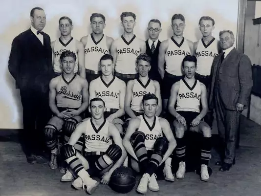 The 1923-24 Passaic High School Hilltoppers. (Photo: Courtesy of Mark Auerbach)