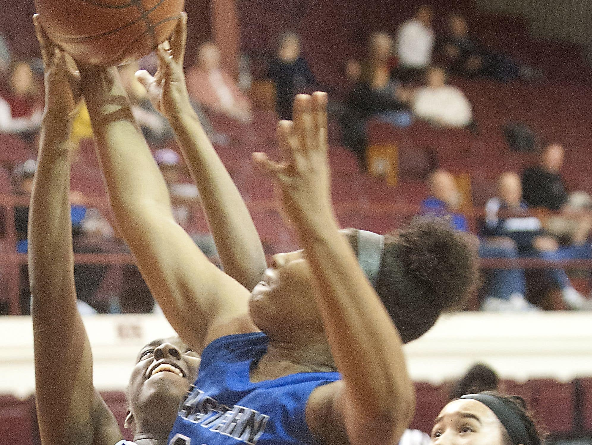 Male forward India Green drives to the basket as Eastern center Destiny Houseal tries to block the shot in the second round of the Girls LIT. 25 January 2017