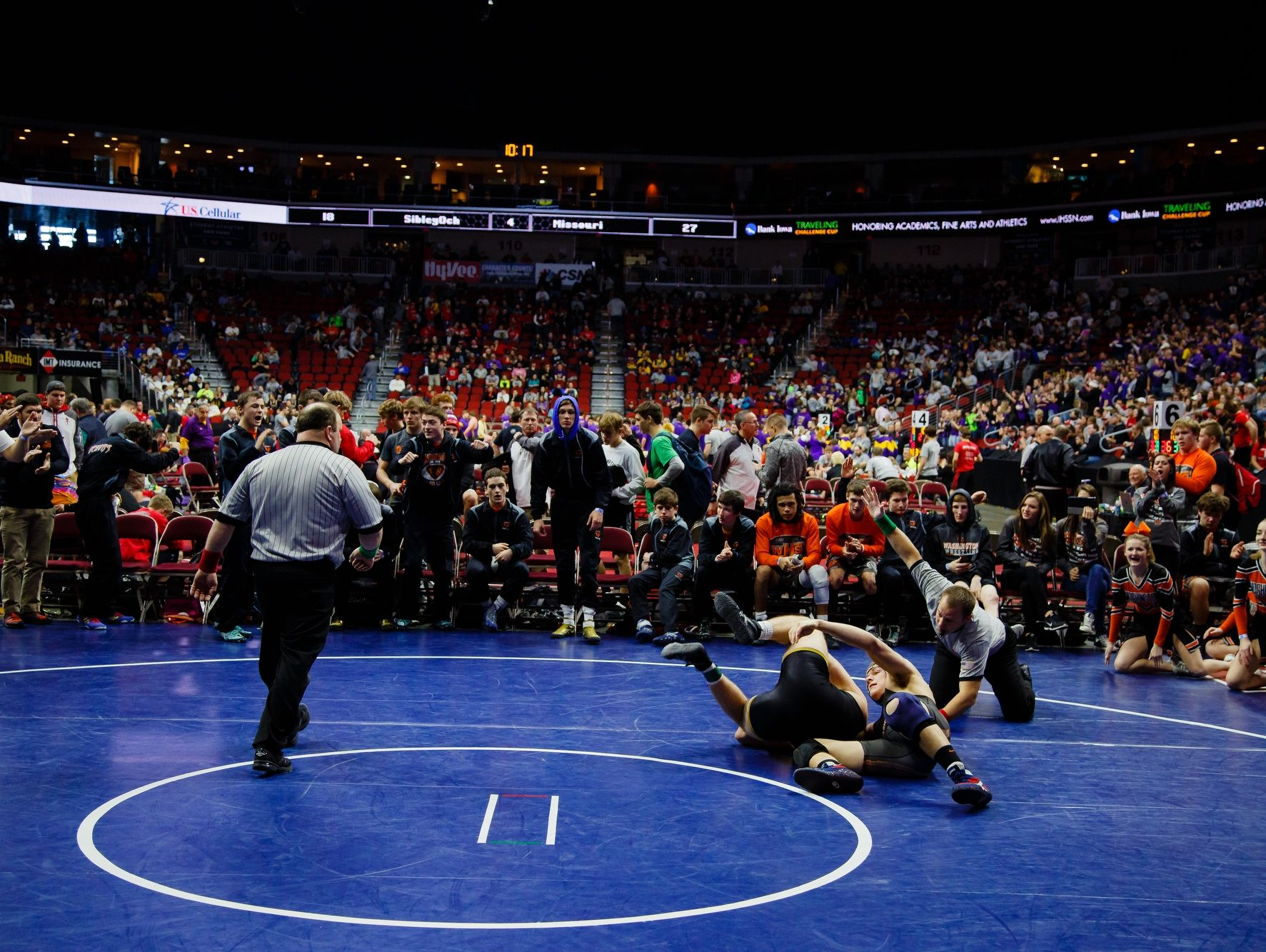 Washington's Karlton Skubal pins Atlantic's Nate Moen during their match at the Wrestling State Team Dual tournament on Wednesday, Feb. 15, 2017 in Des Moines.