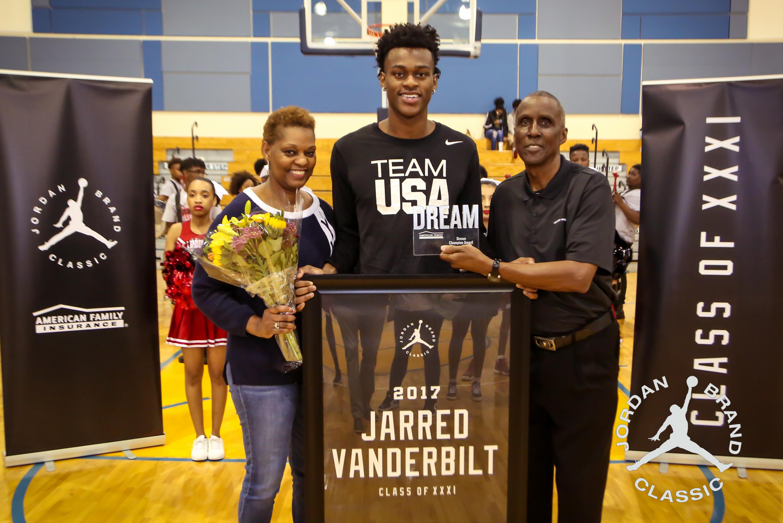 Jarred presented his father, Robert Vanderbilt, with the Dream Champion Award. (Photo: Xavier Burke)