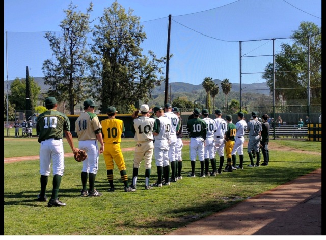 The Simi Valley Royal baseball program all dressed in No. 10 to honor a late opponent from Torrance South (Photo: Twitter screen shot)